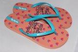 Señora Flip Flop Sandalia de verano en la playa
