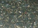 中国は正方形のための緑の花こう岩のタイルを磨いた