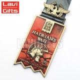 個人化されたカスタム特別な形亜鉛合金の柔らかいエナメルの記念品のスポーツメダル