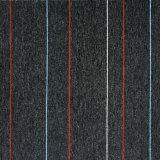 줄무늬 양탄자는 50X50cm 고품질 사무실 양탄자 도와를 사무실 광고 방송을%s 수평 루프 더미 PP 지상 PVC 역행에를 사용하여 타일을 붙인다