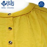 Suelta el botón amarillo Long-Sleeve Damas Moda Blusa con drapeado Volver