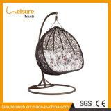 Presidenza d'attaccatura esterna dell'oscillazione del giardino della mobilia di figura dell'uovo rattan/del vimine