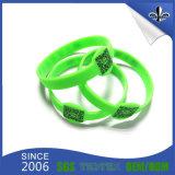 Wristbands popolari poco costosi su ordinazione del silicone per il partito