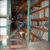 アクセス階段に使用する棒鋼の格子