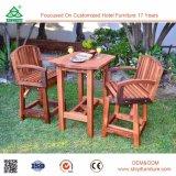 Table de salle à manger en bois reconstituée en plein air