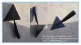 木のハンドルの庭のくわが付いているくわの三角形のワーレンの鋼鉄くわ