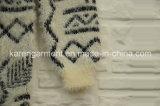 Aztekische Dame-haarige gestrickte lange Strickjacke