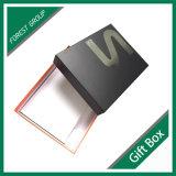 Boîte-cadeau de papier avec le logo d'or argenté en Chine