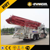 Le XCM 43m de la pompe à béton Diesel HB43 commande à distance