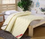 Сделано в пусковой площадке тюфяка кровати хлопка Китая выстеганной рабатом