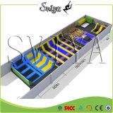 Привлекательной совмещенный роскошью гимнастический длинний Trampoline прямоугольника с взбираясь стеной