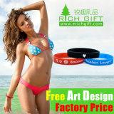 Wristband de encargo del caucho de silicón de Fcatory Debossed promocional