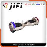Individu équilibrant le scooter intelligent Hoverboard avec Bluetooth \ éclairage LED, atterrisseur, batterie de Samsung