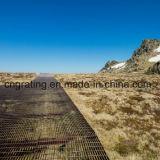 Calzada de acero en campo seco