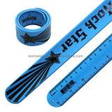 Wristband colorido divertido de encargo de la pulsera de la regla de la palmada del silicón