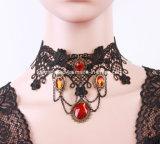 Juwelen van de Halsband van de Gift van de Tegenhanger van het Hart van de Steen van het Kant van de Stijl van de manier de Westelijke Gotische Rode