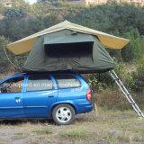 4X4キャンプ車の屋根の上のテント