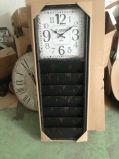 Antigüedad (vendimia) - reloj de madera del estante del compartimiento del negro