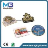 중국 Pin 공장은 로고 인쇄를 가진 싼 접어젖힌 옷깃 Pin를 만들었다