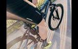 알루미늄 프레임 검정 색깔 산 전기 자전거는 리튬 건전지로 온다