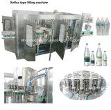 Volle automatische waschende füllende mit einer Kappe bedeckende Trinkwasser-füllende Verpackungs-Flaschenabfüllmaschine