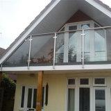 屋外のバルコニーのFramelessによって薄板にされる緩和されたガラスの柵