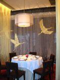 デザインホテルの食堂テーブルおよび椅子を選抜しなさい