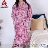Patron de coupe de gros de l'usine Zebra flanelle Fleece peignoir de bain Vêtements de nuit des femmes