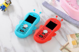 Beauté et téléphone mobile mignon d'enfants avec la caisse de silicium