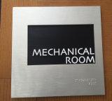 L'alluminio di plastica del metallo ha inciso il segno di numero inciso della stanza del portello del Ada Braille