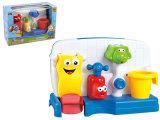 Bagnando l'estate dei giocattoli gioca i giocattoli del bagno del bambino (H7683069)