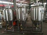 ホームビール醸造の鍋または上げ底ビール醸造