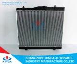 Radiador de aluminio eficaz de enfriamiento para Toyota Hiace 05 en