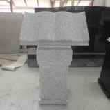 普及した黒い花こう岩の聖書の墓石