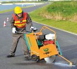 Motor-Weg Honda-Gx270 hinter konkretem Ausschnitt-Maschinen-Scherblock Gyc-140