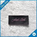 عادة يخيط تصميم على يحاك علامة مميّزة بطاقة لأنّ لباس