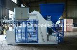 アフリカインドの機械を作るQmy10-15mobileの空のコンクリートブロック