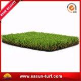 Hierba sintetizada verde natural para el patio
