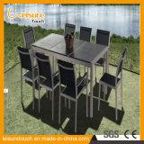 Niedriger Preis-gute Qualitätspatio-Stab-Möbel-Rahmen in anodisiertem Aluminium mit aus Weiden geflochtenen im Freiengarten-Bistro-Tisch-Lehnsesseln