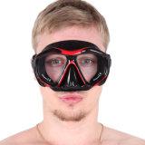Prise d'air et masque de matériel de plongée à l'air