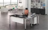 Mesa de escritório moderna com parte superior de vidro e pé de metal