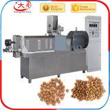 Alimento de gato seco que faz máquinas
