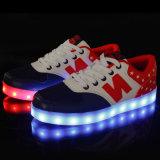 Fabrik-Großverkäufe Spitzenunisex-LED hellen der Schuhe der Qualitäts-hoch