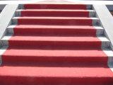 Alfombras rojas del suelo de la calzada de la necesidad del sacador del poliester del PE del hilado de la tela de la exposición del acontecimiento de la boda de Wed del pasillo del rodillo del corredor de la escalera del pasillo de la oficina del objeto expuesto al aire libre del acontecimiento