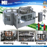 Abgefülltes Soda-/funken Wasser, das Maschinerie aufbereitet
