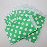 党のための環境に優しく大きい点の緑の紙袋