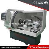 Máquina linear automática Ck6132A do torno do CNC da base lisa do guia