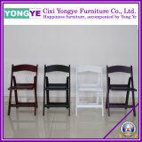 ロマンチックなパッドの白い結婚式の椅子 / 結婚式の椅子 / ホテルの折りたたみの椅子