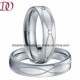 Nuevo estilo de Europa la llegada de los anillos de pareja amor anillo de acero inoxidable 316L