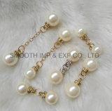 方法宝石類のラインストーンの衣服のブローチの装飾の折りえりのショールの真珠Pin